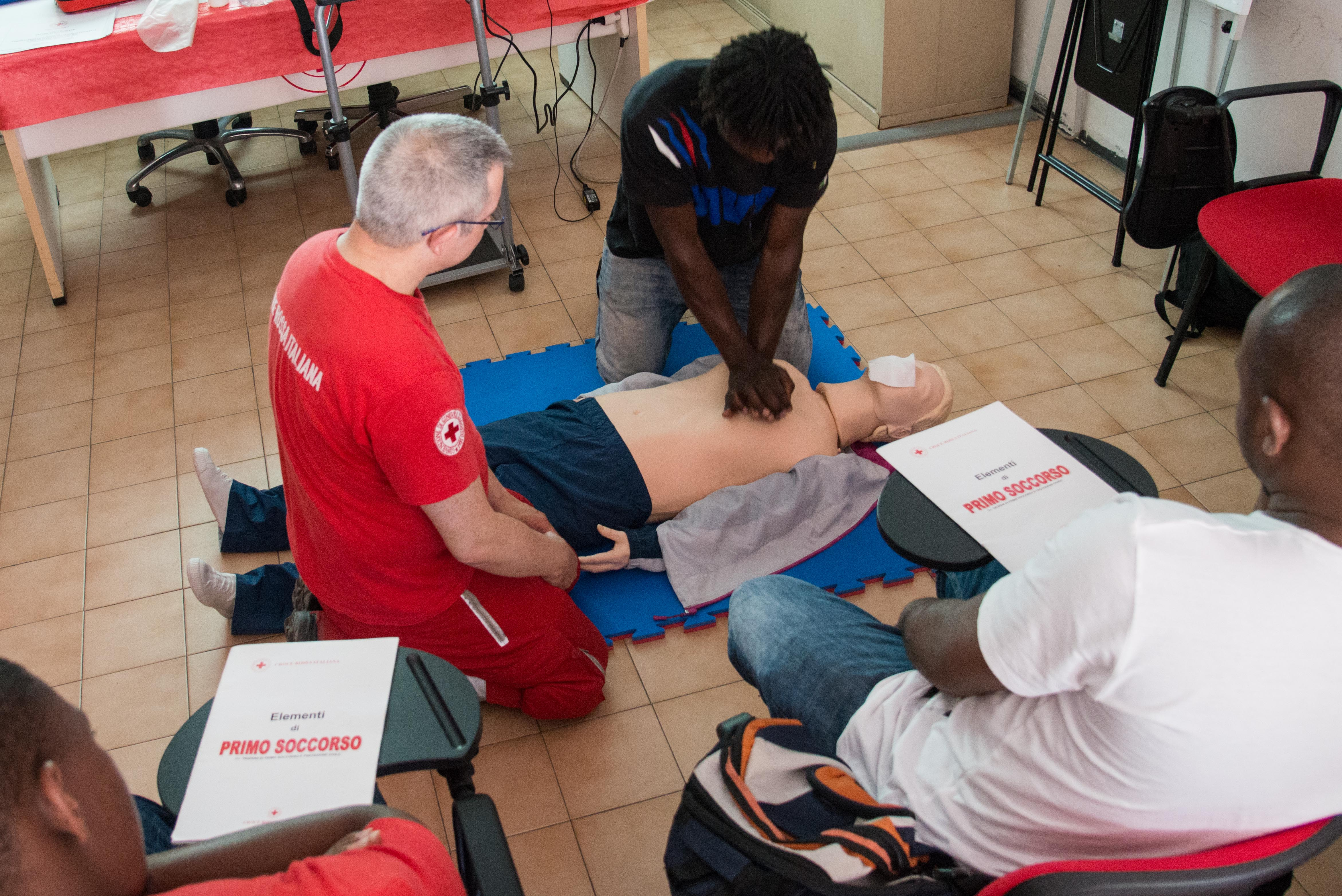 Croce Rossa Corso primo soccorso richiedenti asilo
